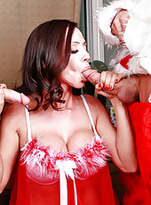 Happy New Year with a dangerous brunette slut named Ariella Ferrera