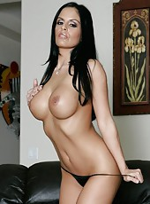 Pretty and tanned brunette bitch Mikayla demonstrates a sexy body