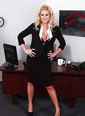 Nasty blonde secretary Jessica Nyx will demonstrate her secrets