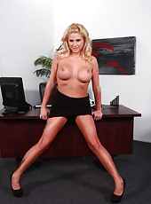 Nasty blonde secretary Jessica Nyx will demonstrate her secrets
