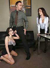 Threesome action with dangerous brunettes named Aleksa Nicole and Capri Cavanni