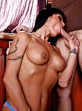 Tanned brunette whore Mahina Zaltana spreads her legs and gets a tasty dick
