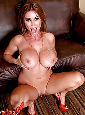 Gorgeous mommy Kianna Dior opens her mouth and sucks a tasty cock