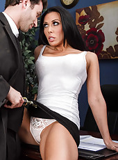 Busty brunette milf Rachel Starr fucked in her favorite poses and takes cum on her breast