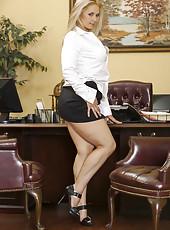 Blonde secretary Sarah Vandella is ready to demonstrates what she hides uner her skirt