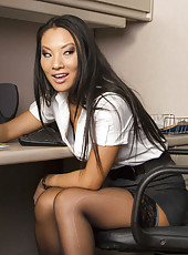 Asian Asa Akira and Ebony Diamond Jackson got one American dick for hot threesome action