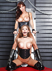 Two first-class milfs with unforgettable forms Gia Dimarco and Juelz Ventura