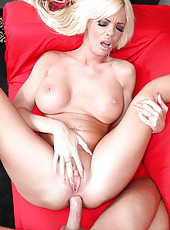 Delicious mature minx Jordan Blue will always seduce lucky boys with her great forms