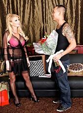 Gorgeous mature cougar Taylor Wane meets asian boyfriend with hot ideas