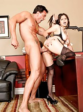 Hardcore brunette Evie Delatosso sucks, gets lucked and present great cock riding