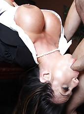 Milf with big tits and dark nipples Ariella Ferrera got an intense facial