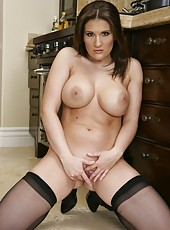 Awesome lesbian action with a nasty babe Austin Kincaid and Janet Mason