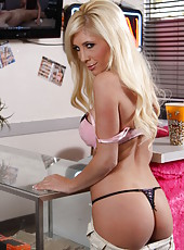 Passionate and cute blonde angel Tasha Reign masturbates with her fingers