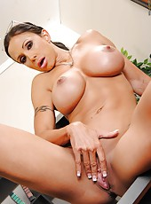 Real milf with experienced shaved pussy and big tits Jewels Jade takes off her lingerie