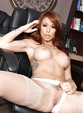 Mesmerizing milf Monique Alexander poses naked with her beautiful big tits and alluring pussy