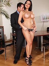 Dream-sex with gorgeous and rebellious brunette milf named Aletta Ocean