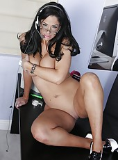 Busty brunette lady Angela Aspen plays with her naughty pussy and delicious tits