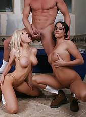 Fantastic threesome fuck with gentle lesbian Kenzi Marie and Savannah Stern