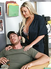 Memphis Monroe gives a crazy blowjob and spreads her legs for a great fuck