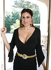 Nasty brunette milf Sheila Marie sucks her neighbor