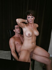 Gorgeous brunette mature Kayla Synz sucks her fucker