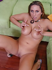 Gorgeous mommy Alisandra Monroe spreads her sexy legs for a hardcore fuck