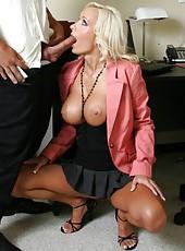 Busty blonde milf Lichelle Marie