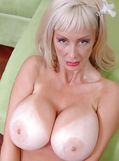 Fantastic mature blonde Britney O