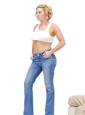 Pretty good pornstar Krissy Lynn likes to fuck with her boyfriend in jeans