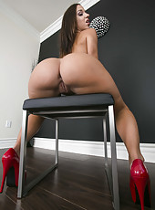 Sweeties with perfect big asses Jada Stevens and Phoenix Marie in their favorite poses
