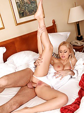 Alluring coquette Mandy Dee likes to make a deep blowjob for her best friend
