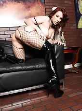 Staggering milf Jynx Maze playing with her hot lesbian friend Nicki Hunter