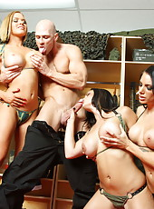 Juelz Ventura, Krissy Lynn and Mackenzee Pierce pleasing one lucky fellow