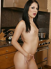 Skinny babe Chelsea Rae posing at the kitchen and working with shaved sissy