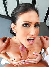 Wet milf Jessica Jaymes getting naughty with her coach and swallowing his rod