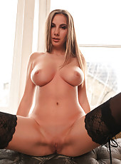 Babe with perfect curvy lines and gorgeous face Connie Carter shows off her treasures