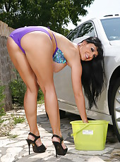 First-class brunette with huge breast Aletta Ocean ends this car wash with a hardcore sex