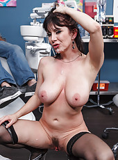 Bewitching milf with great tits RayVeness seduces a doctor without any problem