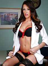 Mesmerizing model Kortney Kane in beautiful stockings and hot red high heels