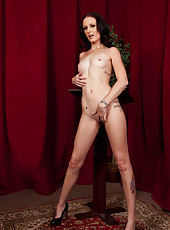 Super slender milf with great model-style body Hailey Young poses in her favorite poses