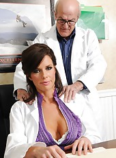 Head physician Veronica Avluv wants to examine his organism during orgasm