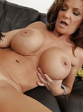 Unmatched milf Deauxma sucking her friend