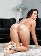 Big cock for astounding brunette milf Rachel Starr and her pierced nipples