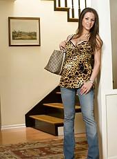 Topnotch busty bombshell Rachel Roxxx in the hardcore anal venture