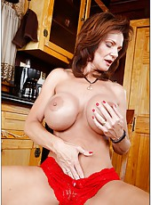 Splendid coquette Deauxma works with big tits and reaches satisfaction