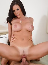 Topnotch hooker Kendra Lust making a titjob and enjoying a big tasty dagger