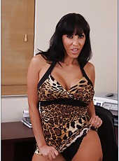 Charming housewife Veronica Rayne really enjoy posing and masturbating
