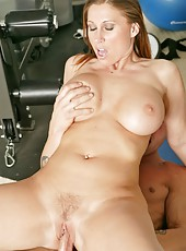 Lovely pornstar Devon Lee banging with her new coach in the gym