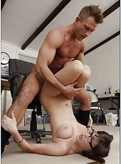 Hardcore fuck with a dangerous and passionate lady Holly Michaels