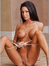 Unmatched milf Jessica Jaymes with flawless body and amazing tits posing